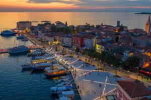 QR codes on the Poreč waterfront for exploring the town