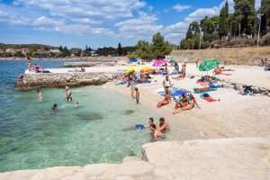 Porton Biondi Beach