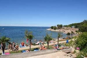 Beach Lotosi