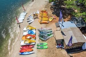 Windsurfing centar Pomer & Rent a boat
