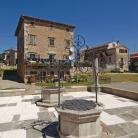 Središnji gradski trg i cisterna u Vižinadi